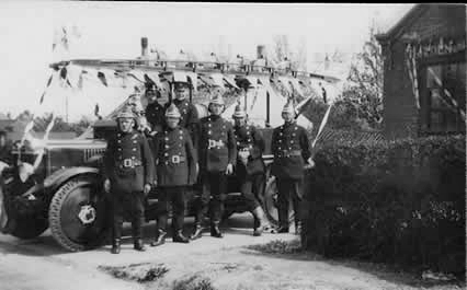 old photo of Howden fire brigade