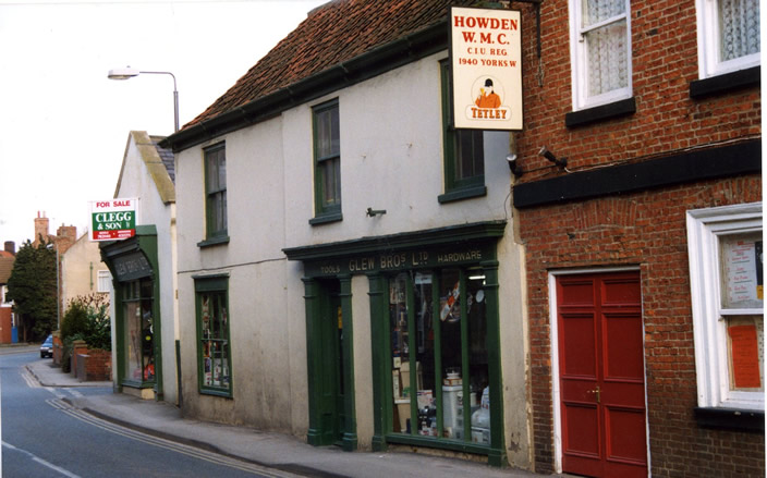 old picture of Glews shop Howden
