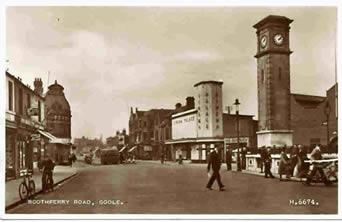 old photo of Boothferry Road, Goole, showing Clock Tower and Cinema Palace