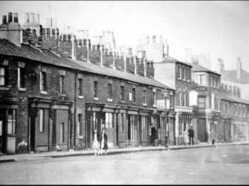 Old photo of Crown Inn, Ouse Street, Goole, Yorkshire