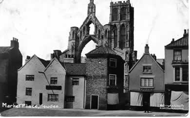 old phot of Dog and Duck, Market Place, Howden, East Yorkshire