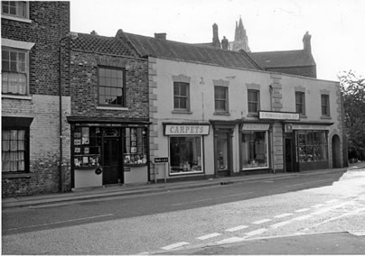 old photo of 64 Bridgegate Howden